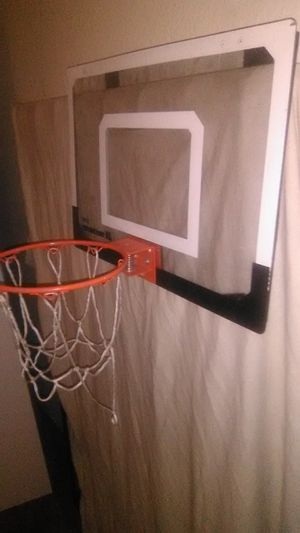 Basketball hoop w/spring for Sale in Stockton, CA