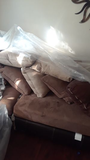 Brown and leather suide couch for Sale in St. Louis, MO