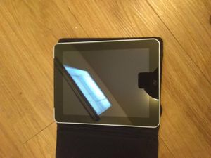 Apple iPad Model A 1337& 64GB for Sale in Austin, TX