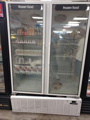 2 door freezer works great for Sale in Orlando, FL