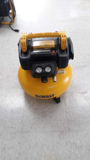 DEWALT DEWALT 6 Gal. 165 PSI Electric Pancake Air Compressor for Sale in Houston, TX