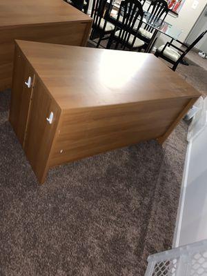 Wooden Desk for Sale in Schaumburg, IL