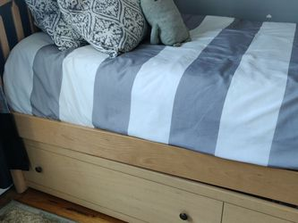 Solid Wood Twin Bed for Sale in Lawrence,  NY