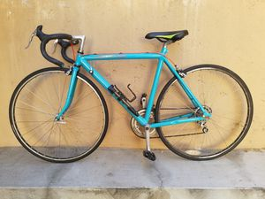 Aluminum Cannondale Road Bike 52cm for Sale in Los Angeles, CA