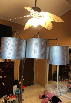 Lamp stand for Sale in South Gate, CA