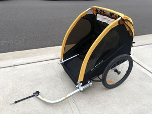 Burley bike trailer for two for Sale in Puyallup, WA