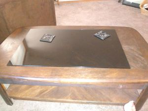 Coffee table with lifting table top for Sale in Beaverton, OR