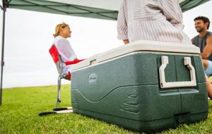 Coleman Xtreme 150 qt Cooler, Green /Hielera for Sale in Bakersfield, CA