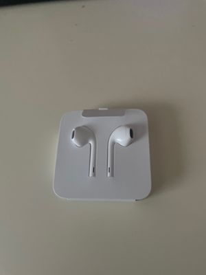 Apple wired earpods for Sale in Bethesda, MD