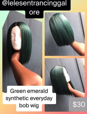 Green everyday synthetic wig for Sale in Baton Rouge, LA
