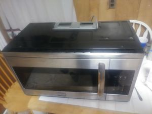 Frigidaire gallery microwave for Sale in Boston, MA