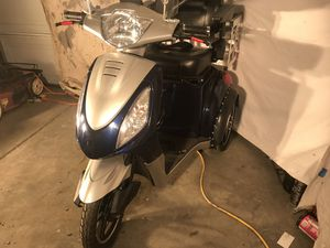 2017 freedoms z3 dually scooter w/trailer ...to 45 mph for Sale in Romoland, CA
