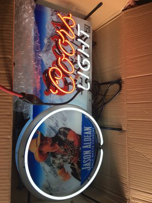 Coors light jason aldean open box but new for Sale in Tampa, FL