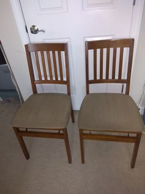 2 folding chairs very good condition for Sale in Arlington, VA