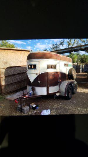 2 horse trailer whit title for Sale in Phoenix, AZ