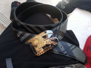 BURBERRY Reversable belt for Sale in Lincoln Acres, CA