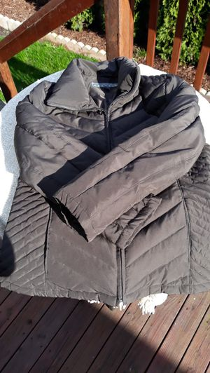 Large Women's Brown Kenneth Cole Down Jacket for Sale in Sumner, WA