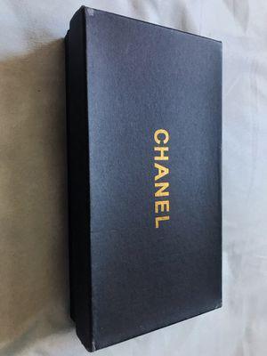 White Chanel Wallet for Sale in Glendale, AZ