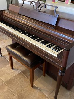 Beautiful Wurlitzer Piano for Sale in Litchfield Park,  AZ