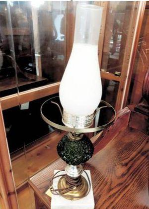 Antique Lamp for Sale in Hendersonville, TN