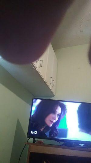32 inch element smart tv for Sale in Glen Burnie, MD