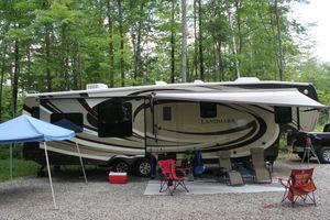 2012 Heartland Landmark Key Largo. for Sale in Emerald Isle, NC