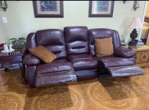 Recliner sofa for Sale in Los Angeles, CA