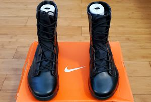 Nike Boots size 9.5 for Men. for Sale in Paramount, CA