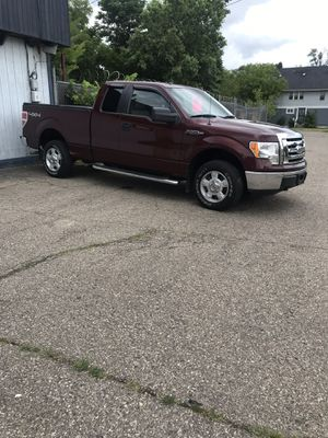 2010 Ford F150 SuperCrew Cab XLT Pickup 4D 5 1/2 ft for Sale in Birch Run, MI