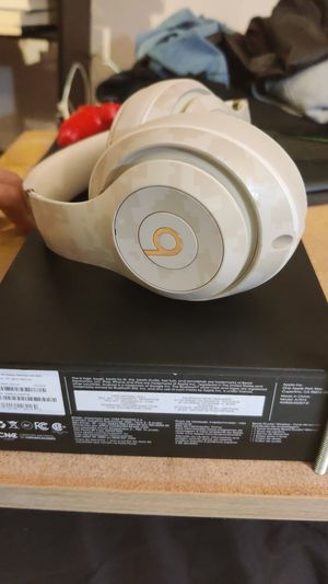 Beats Studio3 Wireless Headphones for Sale in Miami, FL