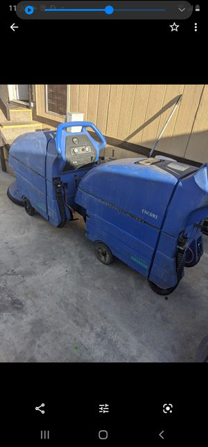 20 inch Clarke scrubber machines, with pad holders and equegees, use 2 ea, 12 volts batteries per equipment not included. for Sale in Santa Ana, CA