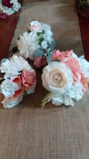 3 New Wedding Bouquets Ivory & Peach Coral for Sale in Fontana, CA