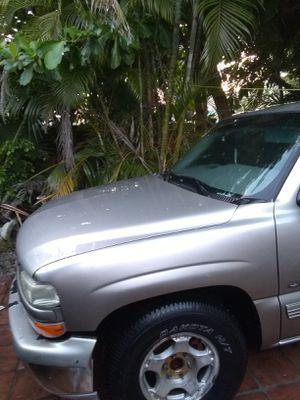 Part for Chevy Silverado 2002 for Sale in Miami, FL