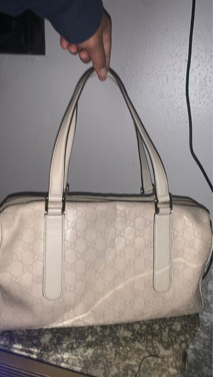 Gucci bag white for Sale in Houston, TX