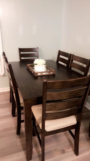 Dining table for Sale in Smyrna, TN