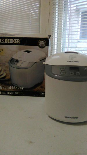 Black & Decker 1.5 LB Bread Maker for Sale in Philadelphia, PA