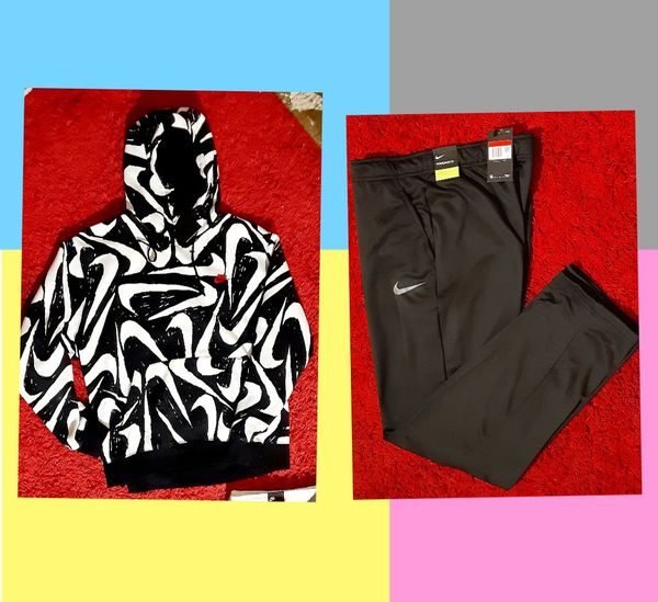 New Men's Nike Outfit size XL hoodie and large pantsl