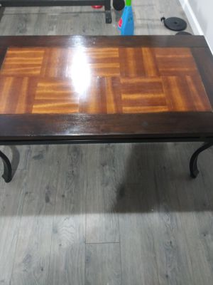 Beautiful coffee-table fair condition for Sale in Columbus, OH
