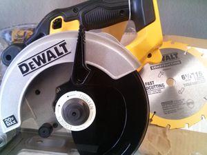 DEWALT 20V MAX CORDLESS 6-1/2 CIRCULAR SAW TOOL ONLY BRAND NEW for Sale in San Bernardino, CA