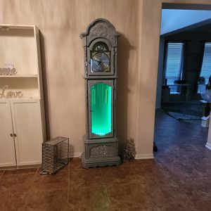 Grandfather Clock With LED for Sale in Houston, TX