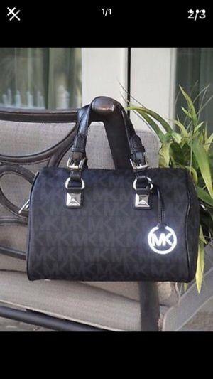 Michael kors bag for Sale in Alexandria, VA
