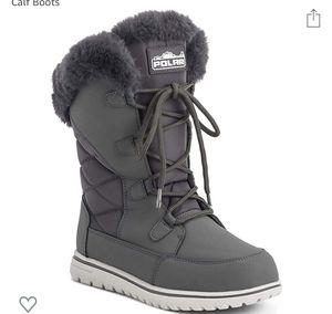Women's winter rain fleece snow waterproof boots for Sale in Miami, FL