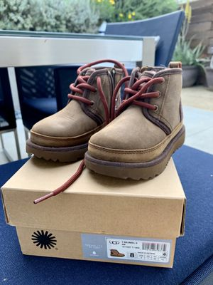 UGG Neumel II toddler size 8US waterproof boots for Sale in Laguna Beach, CA