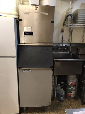 Ice o Matic restaurant style ice machine for Sale in Bellevue, WA