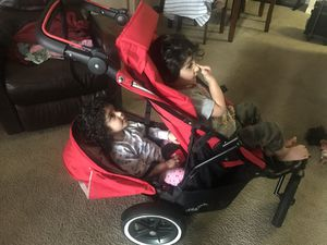 Double Stroller phill&Ted for Sale in Orlando, FL