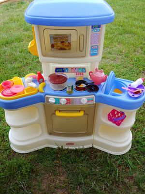 Little Tikes play kitchen with accessories and baby chair seat on one end FPPU for Sale in Winston-Salem, NC