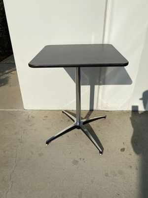 "24"" x 24""x 30""high Grey speckled laminate pedestal / cocktail table / puzzle and games table / gamer table / great for home schooling / desk / home o for Sale in Ontario, CA"