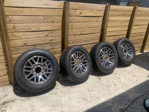 2019 F250 KingRanch rims and tires only have 300 miles on them. for Sale in Fort Lauderdale, FL