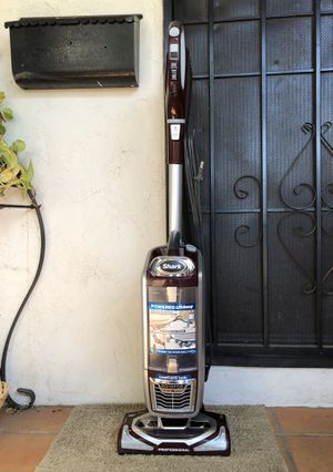 Shark Rotator Professional Vacuum Cleaner w/ attachment for Sale in El Cajon, CA