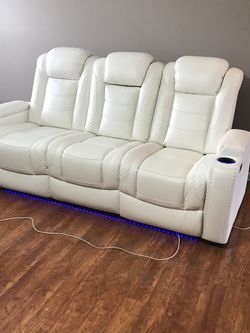 White Power Reclining Sofa /couch for Sale in Austin,  TX